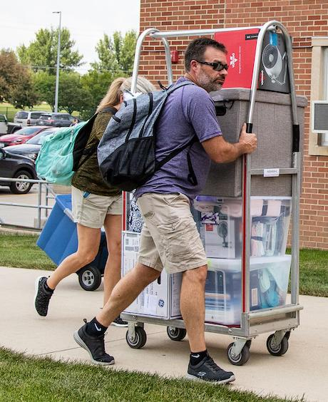 Move-in Day in Noehren Hall
