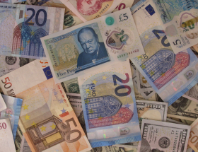 Images of international currency